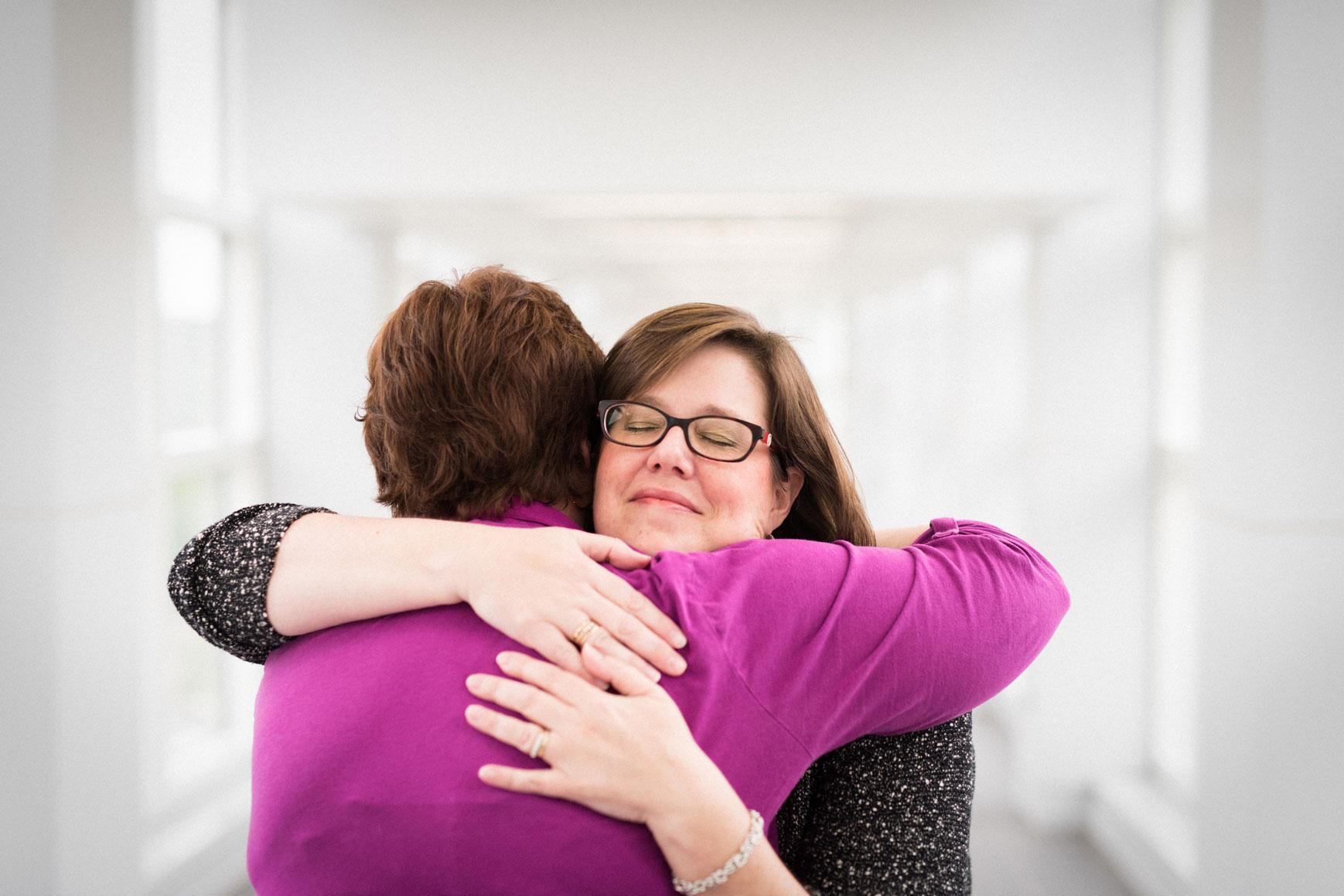 Teresa hugs Jennifer Watkins, her transplant coordinator.